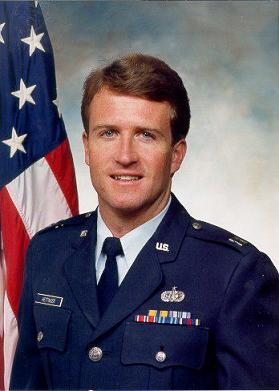 Mike Hettinger served in the US Air Force